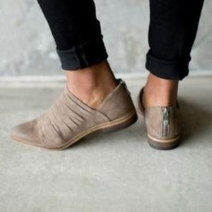 Chinese Laundry Danika Ankle Booties